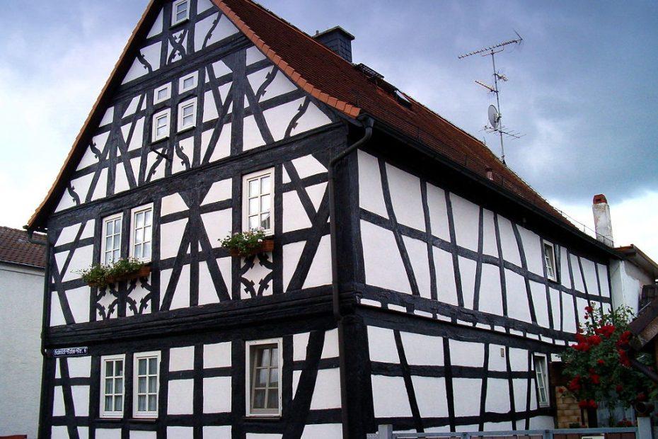 hagymonáyos építésű házak